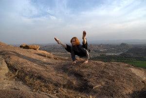 joginka ćwiczy jogę